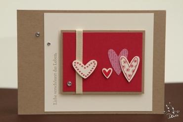 Rosenrot und Herzen